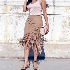 Express Faux Suede Fringe Skirt Tan Size 12 NWT